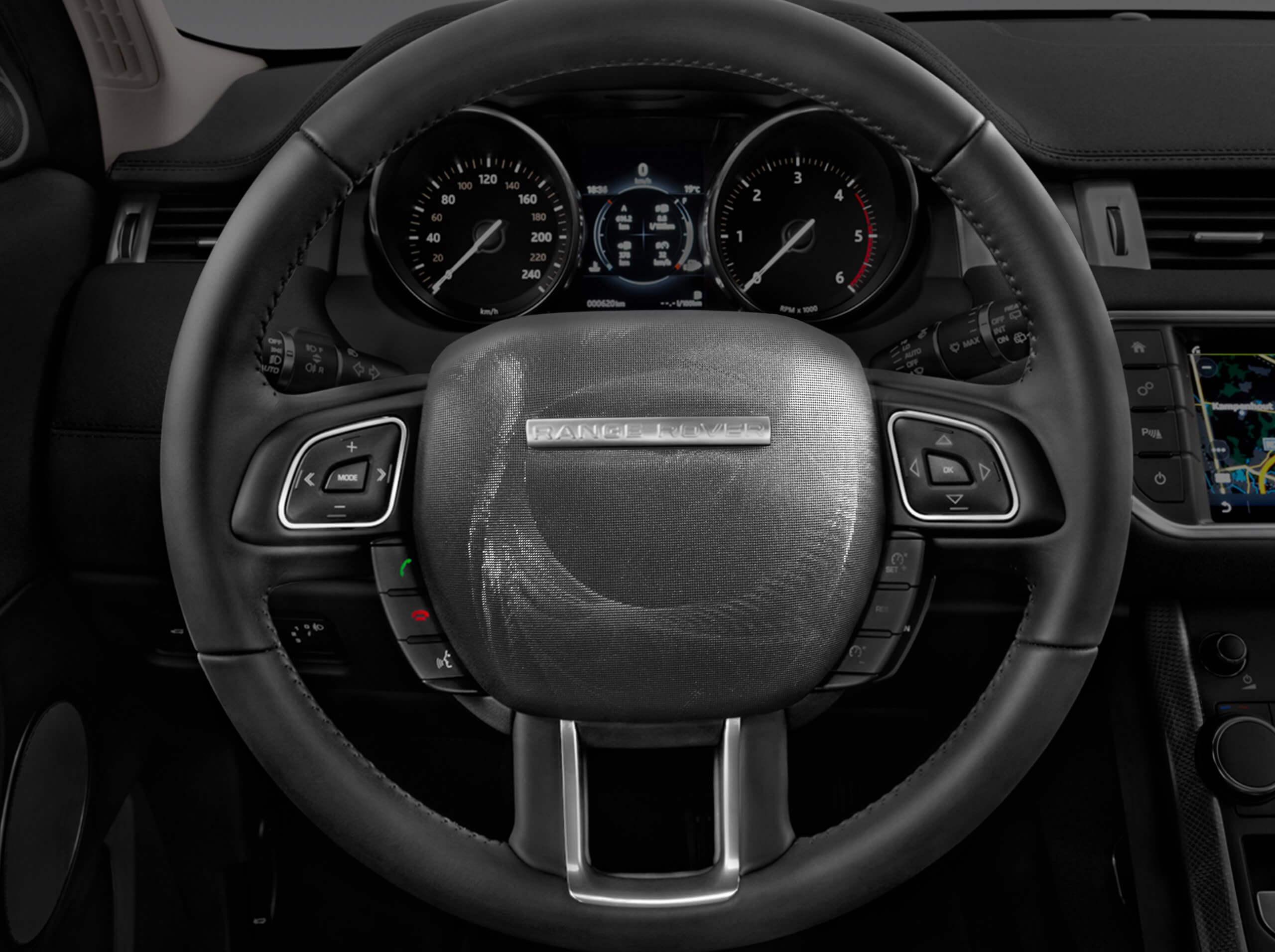 RangeRover-Evoke_steeringwheel